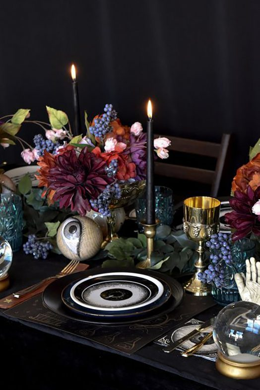 Elegant Halloween Party Centerpiece