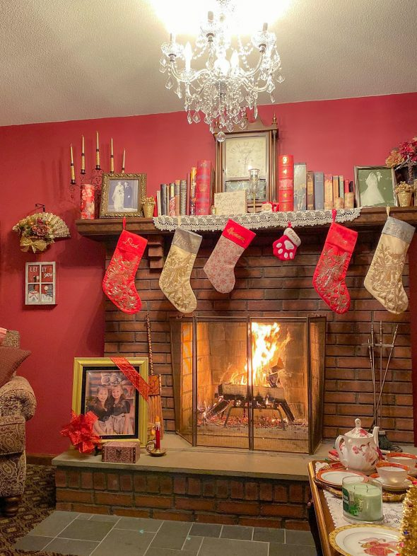 Living room fire place at Christmas time