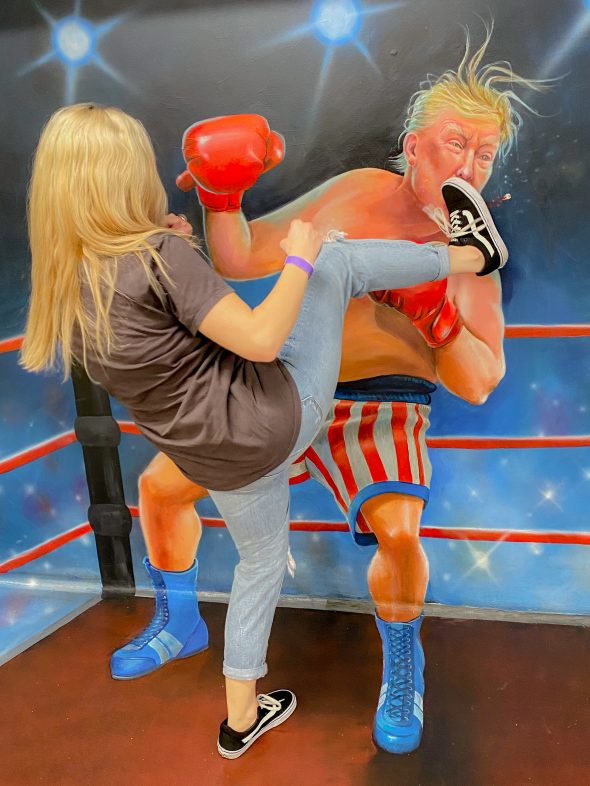 Kicking Donald Trump in the face optical illusion.