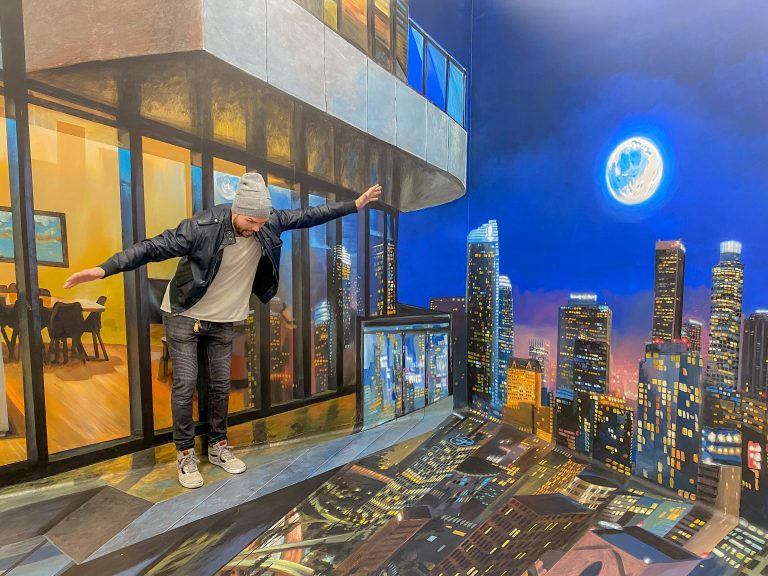 The museum of illusions 3D mural of DTLA