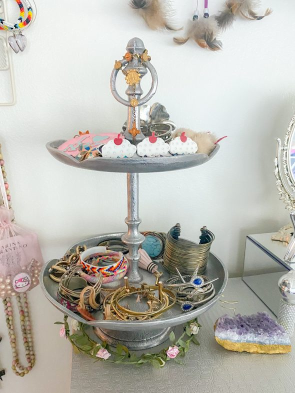 My Simple Approach to Creating an Impressive Jewelry Display