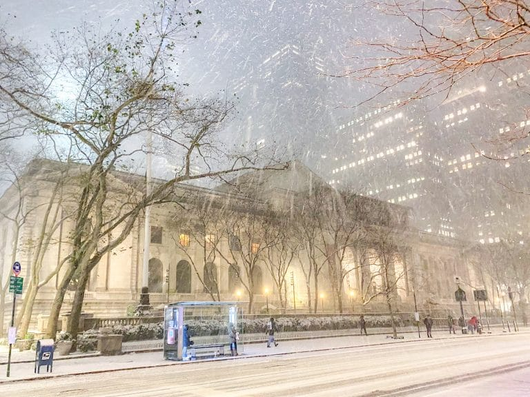 Christmas in NYC: The New York Public Library covered in snow