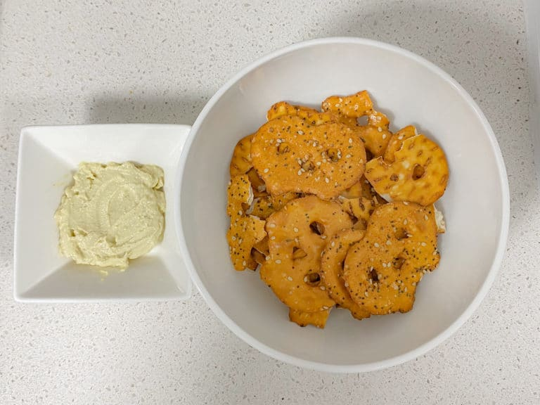 Healthy Lifestyle Choices: Hummus and Every But The Bagel Pretzel Chips